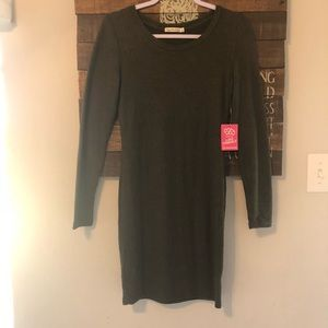 Heart and hips dress size small
